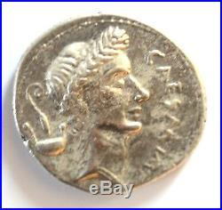 261-Rare denier de Jules César en argent
