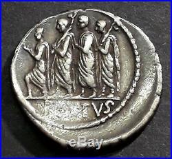 DENIER BRUTUS (85-42 Avant J-C) Le Consul Lucius Junius Brutus marchant à gauche