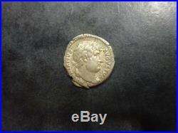 Hadrien Denier romain argent R/ Etoile
