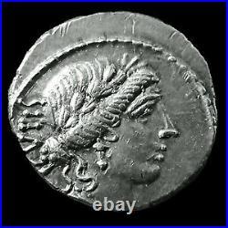 M. ACILIUS GLABRIO, Denier Rome en 49 avant JC, Tête de Salus, Valetudo à gauche