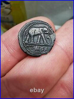 Monnaie romaine denier Jules César à l'éléphant. Denier argent