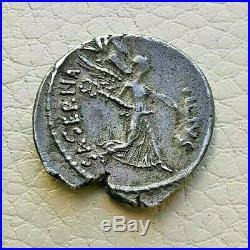 N°4 République romaine. HOSTILIA Denier