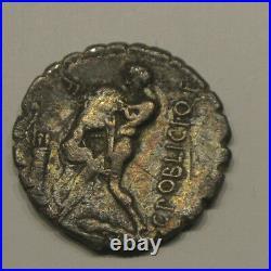 POBLICIA Denier serratus. 80 BC. AR Denarius poids 3 gr 45