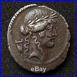 P. CLODIUS Mf. TURINUS, denier Rome en 42 avant JC, tête d'Apollon, Diana Lucifer